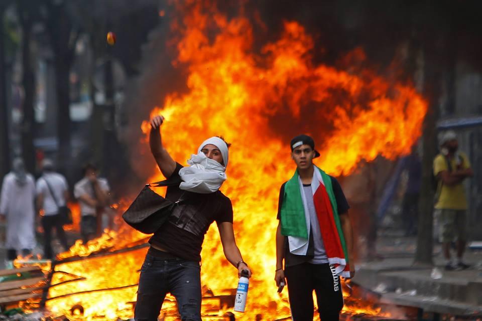 Deux-manifestants