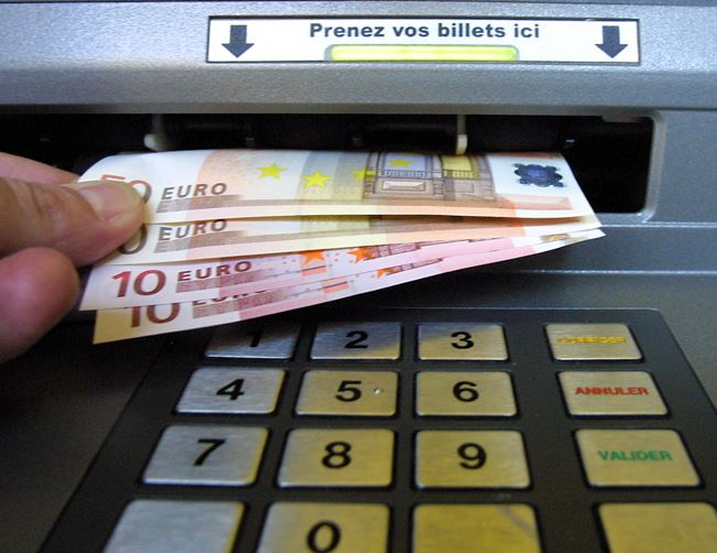 distributeur-bancaire.jpg