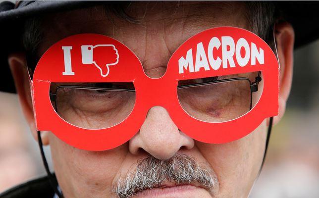 Macronjaimepas.jpg