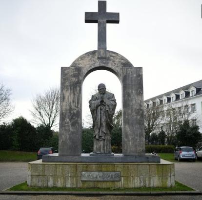 croix-ploermel.png