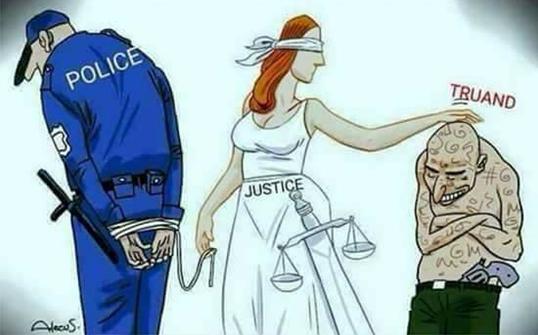 justice-facon-macron.png