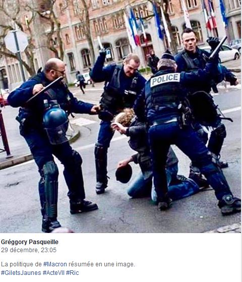 attitude-inadmissible-de-la-police.png